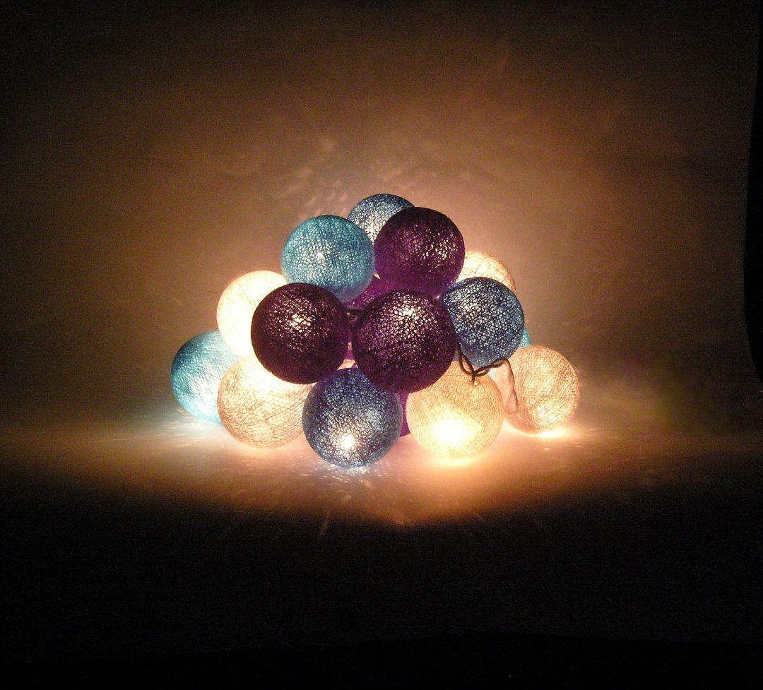 lemputes juros akmeneliai